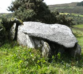 KEALANINE WEDGE TOMB
